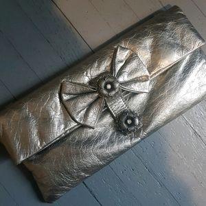 💃HOST PICK💃 Vintage Metallic Leather Clutch